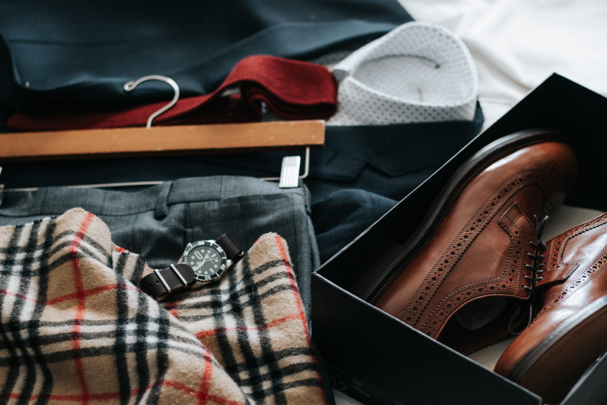 Quel habit porter avec des chaussures à talon pour un homme